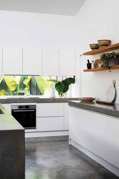 Tips for making sustainable kitchen modern 2019 14 White Kitchen Cabinets, Kitchen Reno, Kitchen Layout, Diy Kitchen, Kitchen Ideas, Kitchen Remodelling, White Kitchens, Kitchen Inspiration, Kitchen Installation