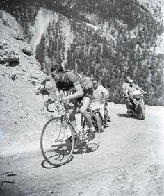 Tour de France 1953. 18^Tappa, 22 luglio. Gap-Briançon. Col d'Izoard. Louison Bobet (1925-1983)