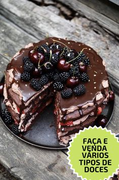 Chocolate layer cake with cocoa whipped cream and berries – Frederikke Wærens - Matoppskrifter - Cake Easy Cake Recipes, Sweet Recipes, Dessert Recipes, Cake Cookies, Cupcake Cakes, Let Them Eat Cake, Yummy Cakes, Chocolate Cake, Cacao Chocolate