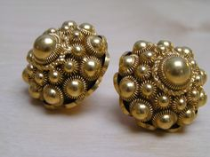 Golden peasant Dutch Buttons