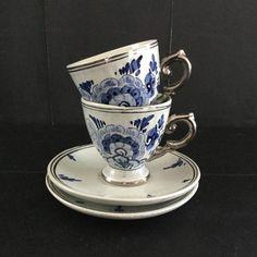 Een persoonlijke favoriet uit mijn Etsy shop https://www.etsy.com/nl/listing/506747728/twee-vintage-delfts-blauw-hand