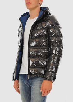 RRD shiny down jacket for men (Italian label). Cool Jackets, Winter Jackets, Pvc Raincoat, Overalls, Street Wear, Menswear, Street Style, Mens Fashion, Guys