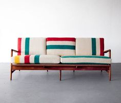 Some more quirkiness in the upholstery. beautiful simplicity Mid-century modern Teak frame sofa by Danish architect and furniture designer Ib Kofod-Larsen, with new cushions upholstered in deadstock Hudson Bay blankets. Modern Furniture, Home Furniture, Furniture Design, Modern Couch, Chair Design, Plywood Furniture, Design Design, Danish Furniture, Design Trends