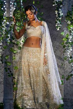 Ethnic Fashion, Modern Fashion, Indian Fashion, Garment Manufacturing, Scalloped Hem, Saree Wedding, Lehenga Choli, Indian Bridal