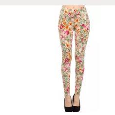 New shosho floral legging.pants Cute floral leggings size large-xlarge shosho Pants