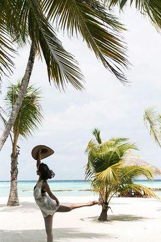 Tropical Vibes, Tropical Paradise, We Were Liars, Beach Lighting, Palm Trees, Sunny Days, Summertime, Seasons, Island