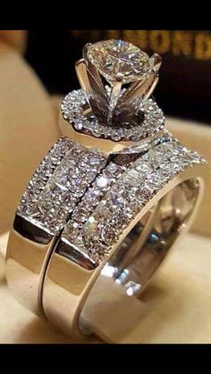 Details about Ladies Engagement Wedding Bridal Ring Set Round Diamond White Gold Finish - Rings - Anillos Bridal Ring Sets, Bridal Rings, Wedding Rings, Diamond Wedding Bands, Diamond Rings, Diamond Engagement Rings, Solitaire Diamond, Engagement Jewellery, Emerald Rings