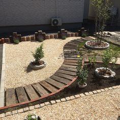芝/化粧砂利…などのインテリア実例 - 2016-08-28 12:04:51 | RoomClip ... このユーザの人気の部屋写真 Lush Lawn, Backyard, Patio, Diy Garden Decor, Pathways, Playground, Stepping Stones, Landscape Design, Sidewalk