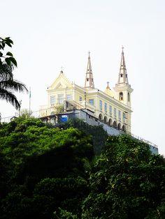 Santuario Da Penha by Zinvolle - Igreja de Nossa Senhora da Penha, Rio de Janeiro, Brazil Photo Art, Mansions, Wall Art, Architecture, House Styles, Beautiful, Rio De Janeiro, Arquitetura, Manor Houses