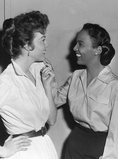 Dorothy Dandridge visits Ava Gardner on the set of Ride, Vaquero!, 1953......Uploaded By www.1stand2ndtimearound.etsy.com