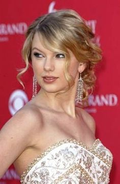 Taylor Swift at the 43rd Annual Academy of Country Music Awards 2008 - MGM Garden Arena - Las Vegas, NV - May 18, 2008.