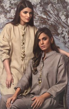 Simple Pakistani Dresses, Pakistani Fashion Casual, Pakistani Dress Design, Indian Fashion, Stylish Dresses For Girls, Stylish Dress Designs, Designs For Dresses, Kurta Neck Design, Neck Designs For Suits
