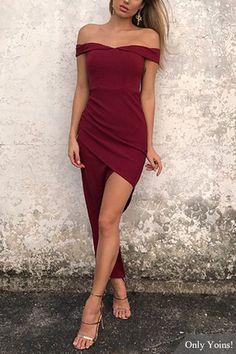 Burgundy Off Shoulder Asymmetrical Maxi Dress US$10.99