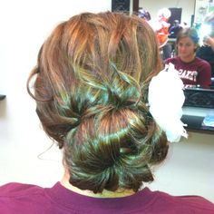 Messy updo for prom Messy Updo, Braided Updo, Hair Dandruff, Hair Tattoos, Hair Dos, Beauty Ideas, Updos, Hair And Nails, Wedding Hairstyles