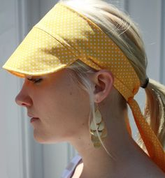 Yellow and white polka dot fabric sun visor cap hat - style Diy Headband, Headbands, Visor Cap, Polka Dot Bikini, Polka Dot Fabric, Gorgeous Fabrics, Bandeau, Sewing Techniques, Scrunchies