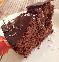 Veganaholic: Valentinstags-Leckerei: saftiger Schokoladen-Kuchen mit Äpfeln