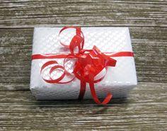 Pearly Hearts Metallic Gift Wrap