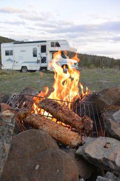 Campfire and BBQ at Riley Lake - Big Bar Lake Road, BC - Work and Travel Kanada - http://workandtravelkanada.com