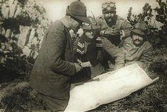 cesare-battisti-in-vallarsa-prepara-lazione-sul-monte-corno-2 Italian Army, National History, Wwi, Warfare, World War Ii, Troops, Batman, Italy, Superhero