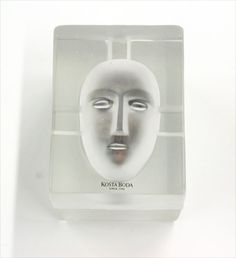 Kosta Boda face sculpture designed by Mrs. Beccaria's friend, Bertil Vallien | The House of Beccaria#