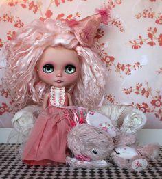amazing blythe doll