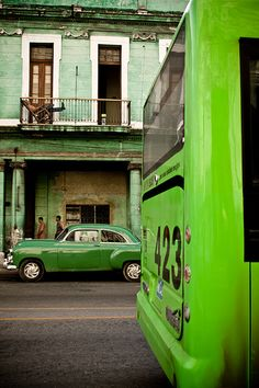 Havana, Cuba -- I'd give anything to go here with my family! Cienfuegos, World Of Color, Color Of Life, Go Green, Green Colors, Hello Green, Green Theme, Fred Instagram, Verde Neon