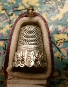 A Beautiful Antique Thimble And Case !