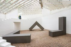 From Glass House, Robert Morris Untitled Stainless Steel, 96 × 96 × 24 in Theater, Action Painting, A Level Art, Geometric Lines, Process Art, Glass House, Minimalist Art, Installation Art, Art Installations