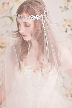 A bride wears an 'An