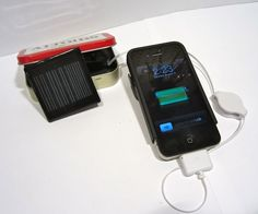 diy iphone charger in an altoids tin...gotta try making this!