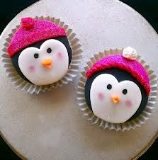 eeeek my 2 favorite things cupcakes and penguins! Winter Cupcakes, Love Cupcakes, Christmas Cupcakes, Yummy Cupcakes, Penguin Cupcakes, Cupcake Cookies, Penguin Party, Christmas Goodies, Christmas Baking