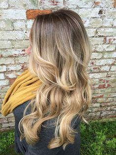 Insta: hairby_lauraashley A rooty blonde! She went from blonde highlights to this beautiful Balayage