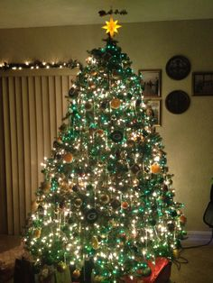 Green Bay Packers Christmas Tree. Go Pack!