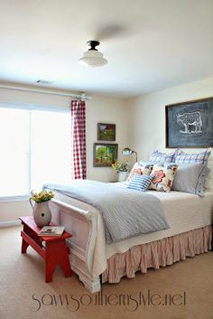 DIY::Farmhouse Style Guest Room Spring Summer Makeover !