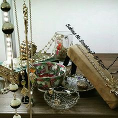Collane lunghe catene oro e  pietre. vetrinetta #viamilano52 #cesenatico Sabina No Smoking? Si Bijou!