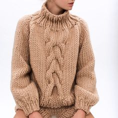 "ilovemrmittens: ""SAND. Cropped cable knit + short shorts #AW2015 #wool #bigknits - Chunky cream cable sweater"