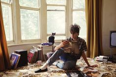 Ian McCulloch of Echo And The Bunnyman - Boys Keep Swinging, Echo And The Bunnymen, The New Wave, Record Collection, Post Punk, My Favorite Music, Pretty Cool, Punk Rock, Music Artists