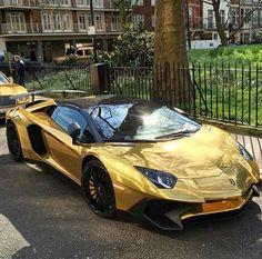 Golden Aventador SV