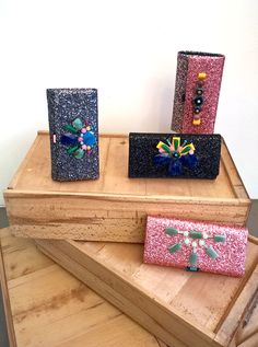 Discover ready-to-wear collections and accessories by juan Pedro Lopez. Romantic fashion with an edge made in Barcelona. Gift Wrapping, Glitter, Romantic, Wallet, Spring, How To Make, Accessories, Collection, Gift Wrapping Paper
