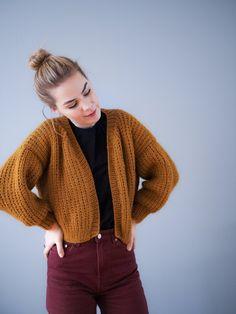 Chunkyvintercardigan – Guttenogstrikkemor Crochet Clothes, Diy Clothes, Crochet Cardigan, Knit Crochet, Pijamas Women, Sweater Weather, Knitwear, Knitting Patterns, Cute Outfits