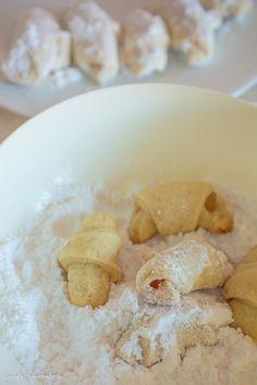Cornulețe de post cu borș umplute cu rahat   Bucate Aromate Cereal, Oatmeal, Vegan, Breakfast, Pastries, Food, Garden, Crafts, Sweets