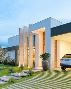 Best Ideas For Modern House Design & Architecture : – Picture : – Description Hinterhofpoolluxus Modern House Design & Architecture : - Dear Art Villa Design, Facade Design, Modern House Design, Exterior Design, Design Art, Dream House Exterior, House Entrance, Facade Architecture, Contemporary Architecture