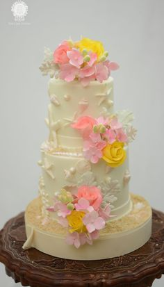 Beach themed cake with Sugar Roses and Hydrangea