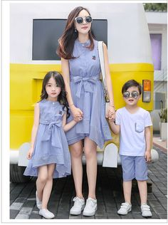 Camiseros Mom Daughter Matching Dresses, Mom And Son Outfits, Matching Family Outfits, Kids Outfits, Baby Girl Party Dresses, Dresses Kids Girl, Stylish Dresses For Girls, Mother Daughter Fashion, Kids Dress Wear