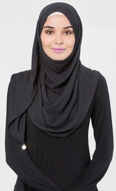 Alma Flow Shawl in Black