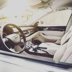 Get in and find out! #vehiculum #mitvehiculumstarkimbusiness #business #instatech #casual #lifestyle #new #car #leasing #branding #influence #goals #bmw #audi #ford #volvo #mercedesbenz #skoda #MINI #interieur #getstarted