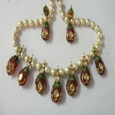 You can do your shopping of Jewellery in minutes even if you are busy apart from saving time and avoiding crowds.