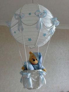 Handmade lamp for new baby nursery / nursery Hot air balloon light shade with CUTE little toy trying to choose a soft soft lampshade for the nursery is not easy. This easy to hang lampshade is a perfect touch Nursery Lighting, Baby Room Lighting, Balloon Lights, Hot Air Balloon, Shower Bebe, Baby Boy Shower, Baby Boy Rooms, Baby Boy Nurseries, Cadeau Baby Shower