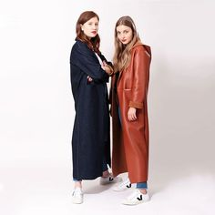 Silvia Coatigan from Scnittchen Patterns is a trendy short coat with oversized shoulders, an integrated shawl collar and integrated pockets. Coat Pattern Sewing, Coat Patterns, Sewing Patterns, Sewing Magazines, Sewing Blogs, Sewing Projects, Diy Projects, Plus Size Patterns, Coatigan
