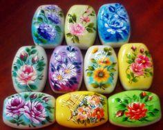 Pintura em Tecido ,Dicas, Materiais e Passo a Passo: Sabonetes pintados a mão